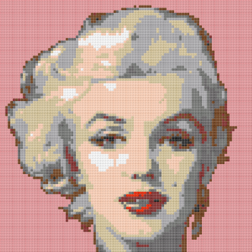 Size L Marilyn Monroe close up