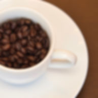 自家焙煎のコーヒーを毎食後サービスで。豆の販売も。