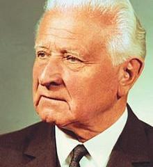 """Prezident Československé republiky, armádní generál Ludvík Svoboda: """"Rozpoutanou světovou válku"""
