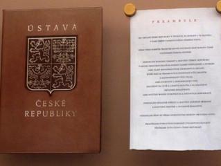 Ústava ČR je v rozporu se zájmy státu i národa
