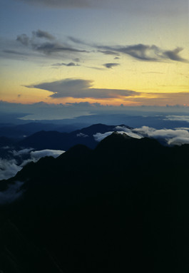 Dalla cima del Monte Kinabalu, Sabah, Malesia, 1988