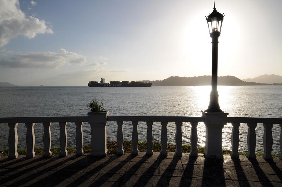 Ingresso dal Pacifico al Canale, Panama, 2017