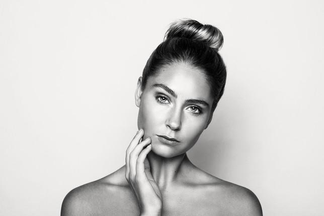 Makeup-HQ0574bnw_1.jpg