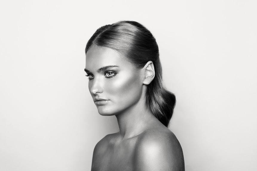 Makeup-HQ0399bnw_1.jpg