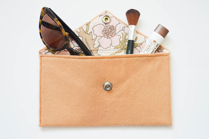 Felt clutch made from recycled plastic bottles