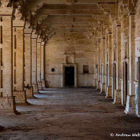 Bundi Columns