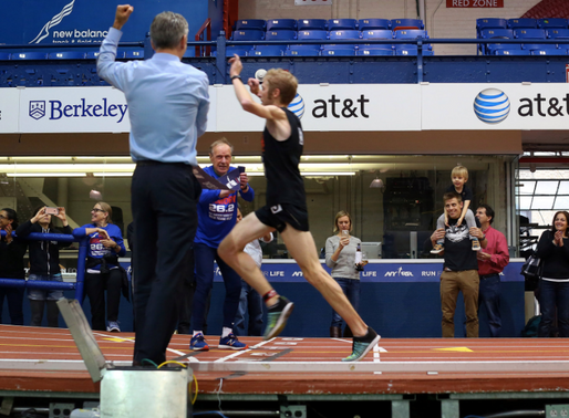 Malcolm Richards Sets New World Record - Indoor Marathon in 2:21:55!