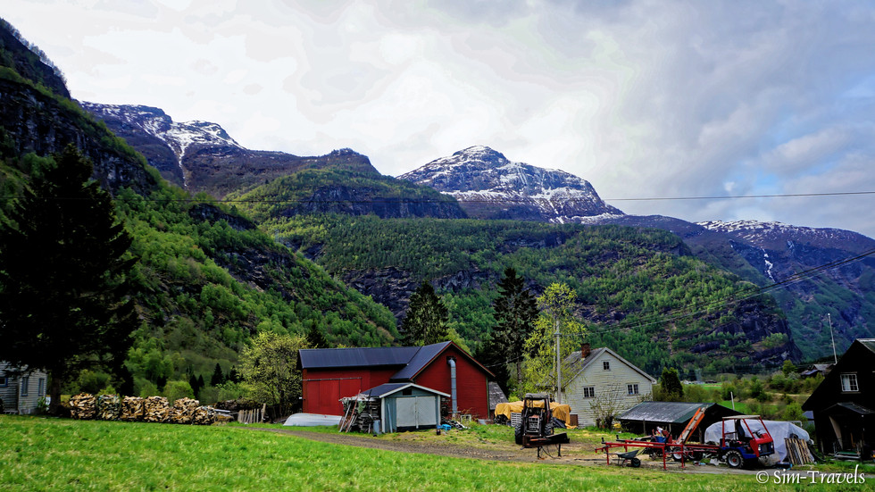 Skjolden life in the valley