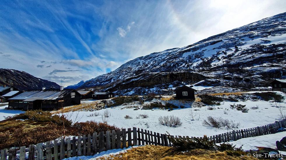 Driving through Bøverdal valley