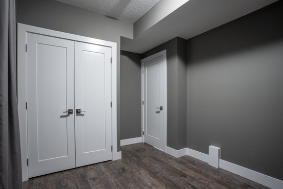Garage Suite 2 - 3