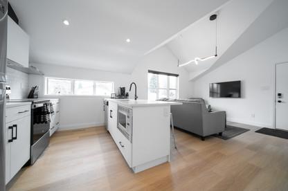 Garage Suite - 4