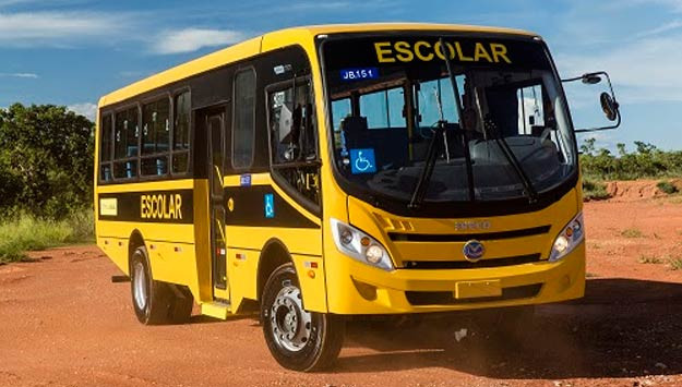 Municípios receberão ônibus escolares de emendas do senador Jorginho Mello