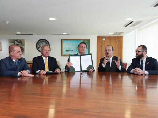 Bolsonaro sanciona projeto que torna o Pronampe como política de crédito permanente
