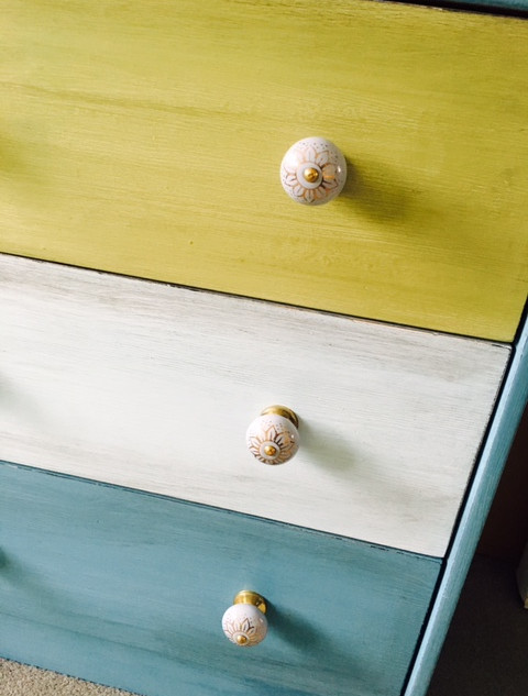 Chest of drawers re-paint
