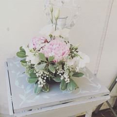 Small fresh flower table decoration