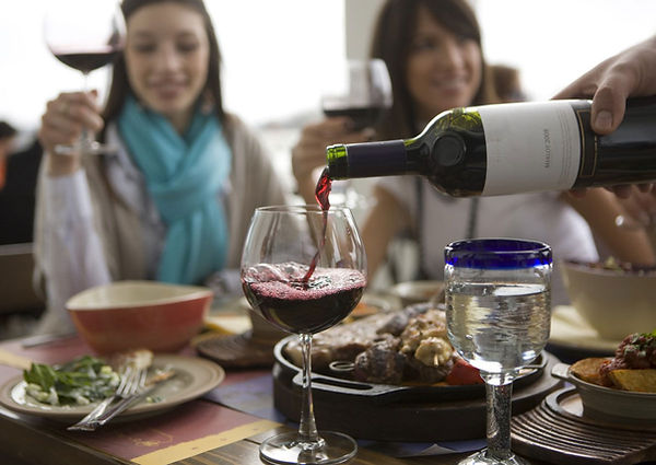 pour-wine.jpg