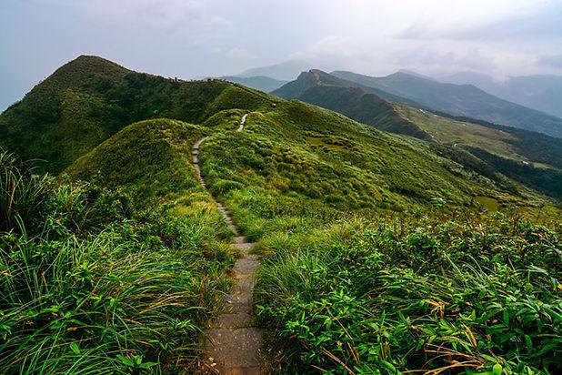 taoyuan-valley-trail-hills.jpg