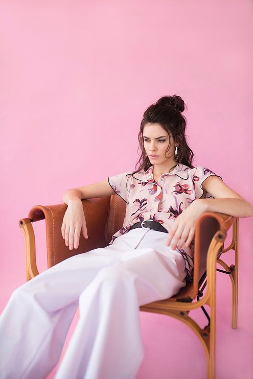 photography-of-a-woman-sitting-on-chair-