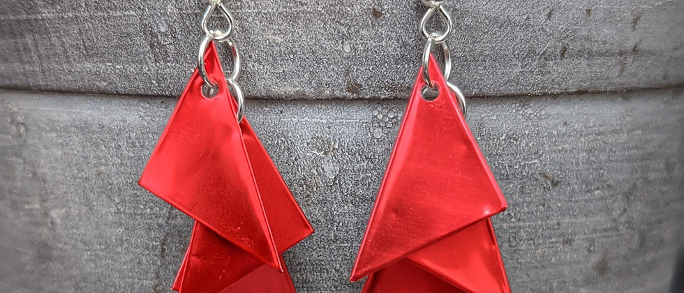it must be love recycled can earrings