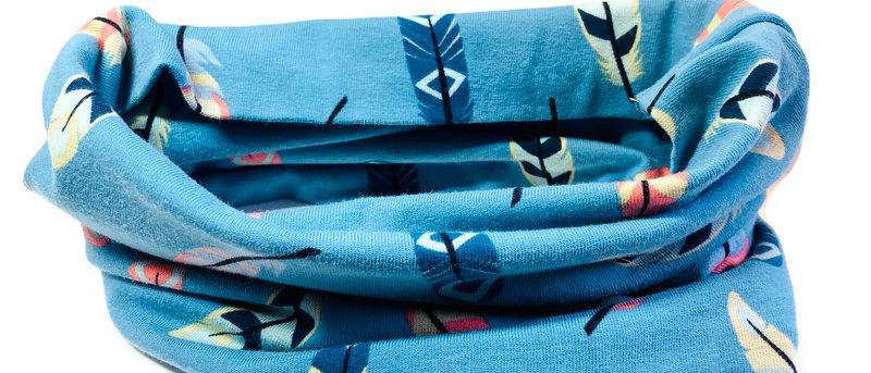 blue feathers neck scarf