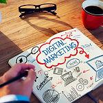 trabajo-equipo-marketing-digital-1.jpg