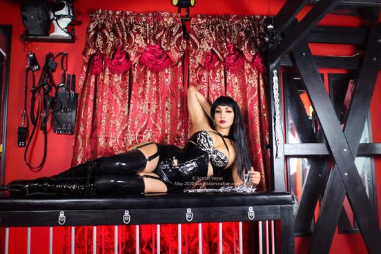 Mistress Scarlet Vexas - A Femdom Kink BDSM Enthusiast