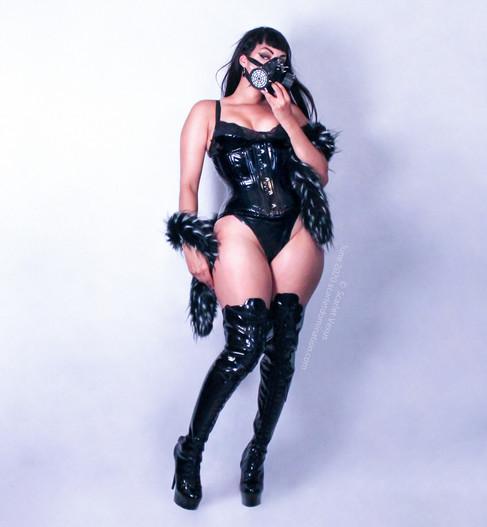 mistress scarlet vexus wearing a gas mask