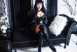 Austin Dominatrix Mistress Scarlet Vexus Fetish BDSM and Femdom Artist -Bondage Domme - Kink Domina