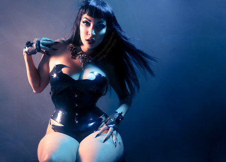 Vampy photo of a domme and bondage femme
