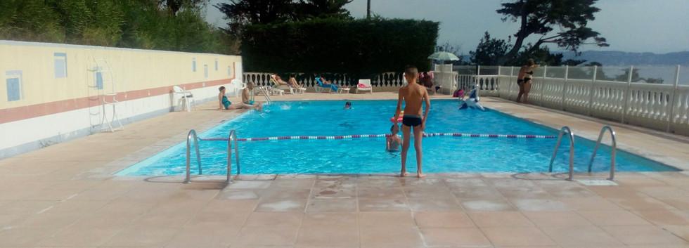 Village_de_vacances_reservation_hôtel_hé