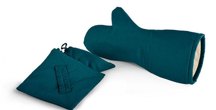 Fireproof Gloves and Pot Holder Set