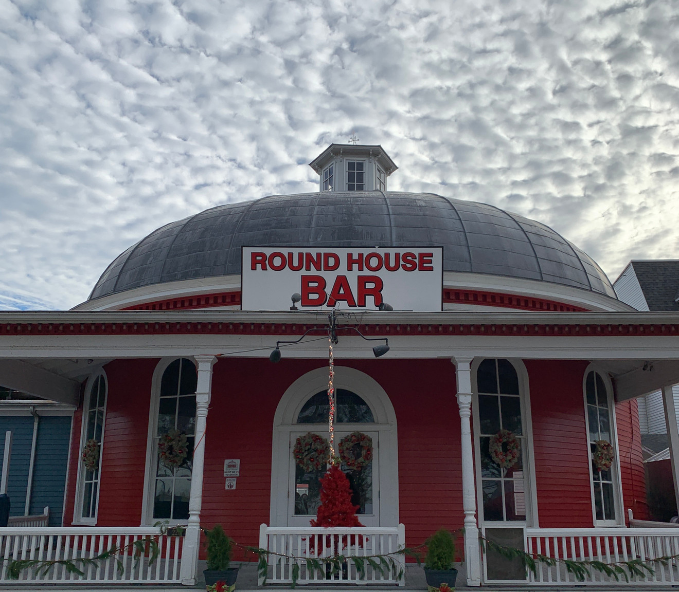 The Round House Bar
