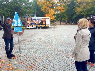 Kylttiperformanssi Tampereen päivänä, 1.10.