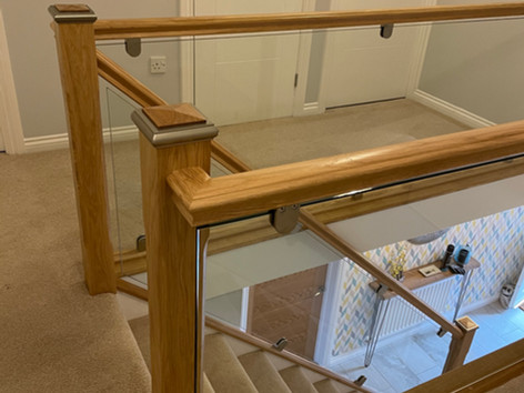 Glass and oak balustrades for stairs