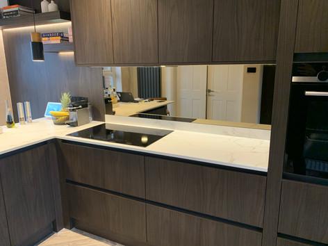 Mirror splash backs for kitchens