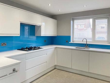Kitchen splashbacks: Why glass splashbacks are a better choice than tiles