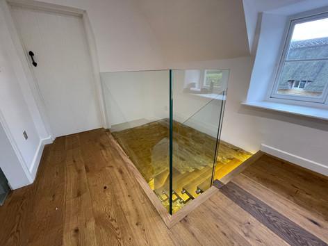 Frameless glass balustrades for stairs