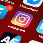 Website Ini Menggunakan Social Media Login untuk Registrasi
