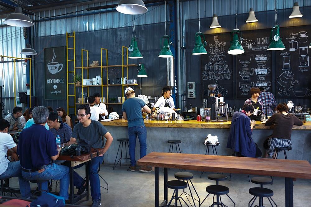 Mengapa WiFi Marketing Sempurna untuk Industri Kafe, Bar, dan Restoran? | Wificolony