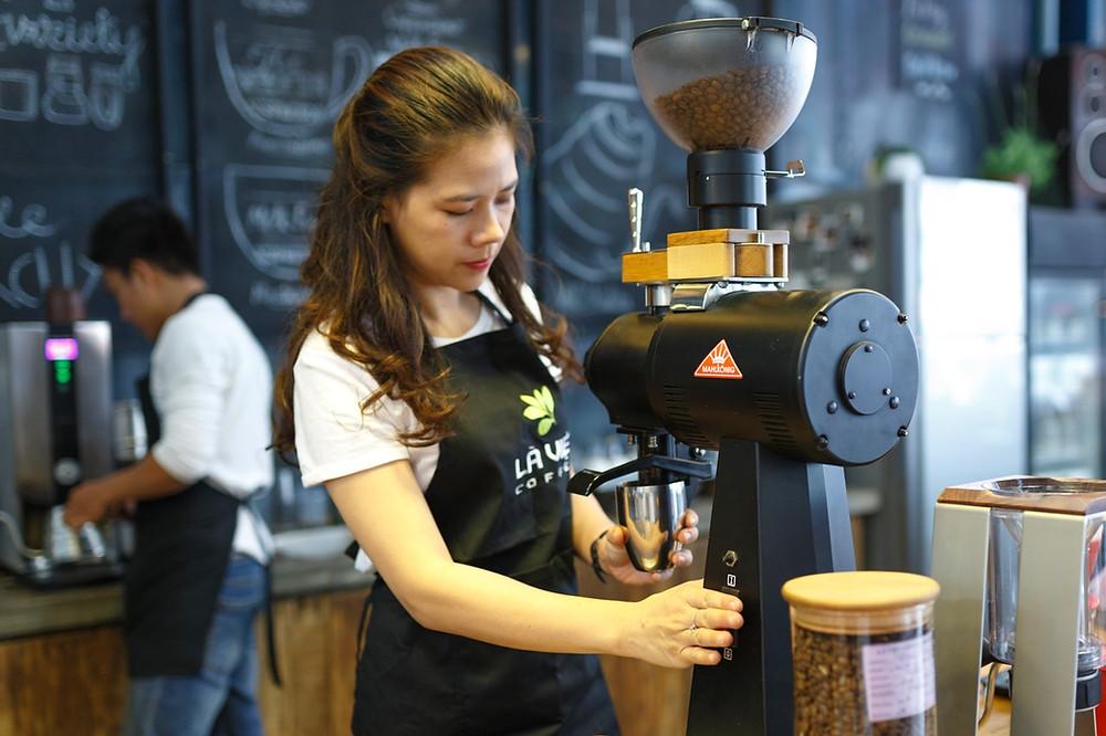 Pemasaran Efektif, 3 Cara Agar Pelanggan Loyal Membeli Produk Bisnis Anda | Wificolony