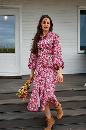 pink flower dress 70s fashion womans cloting.jpg