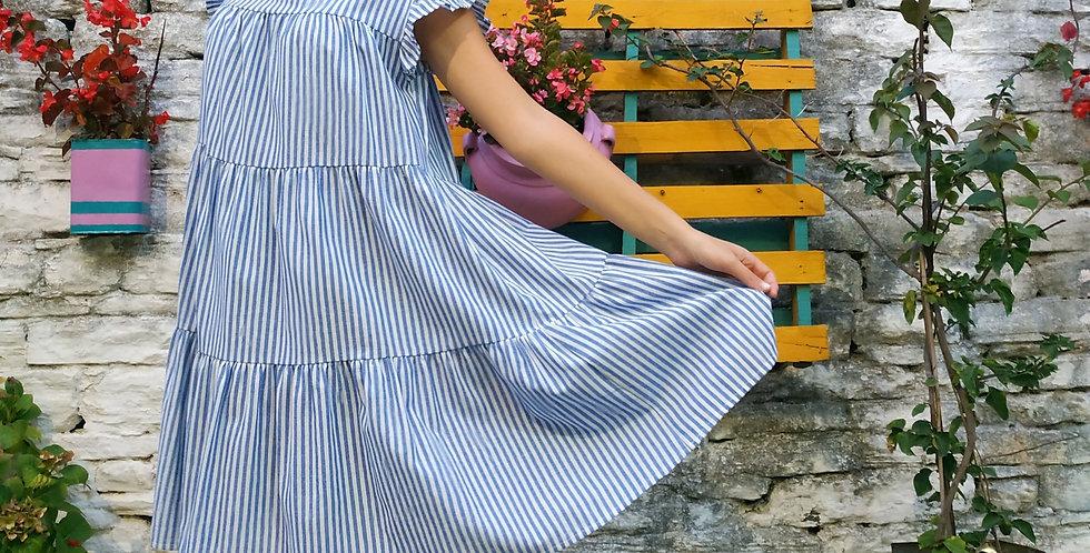Φόρεμα με ρίγες και σχέδιο στον ώμο