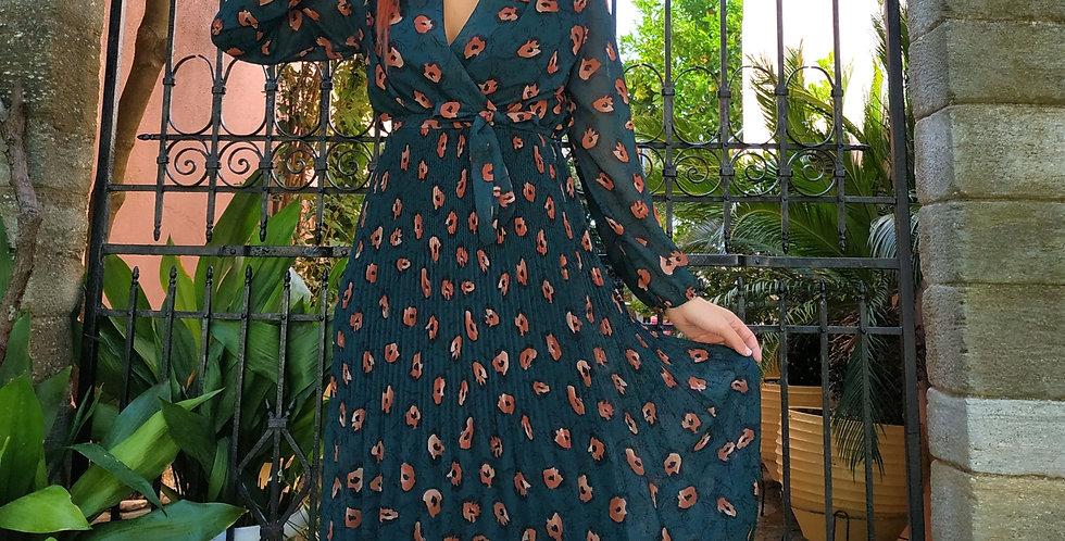 Φόρεμα πράσινο midi με λουλούδια και πλισέ φούστα.