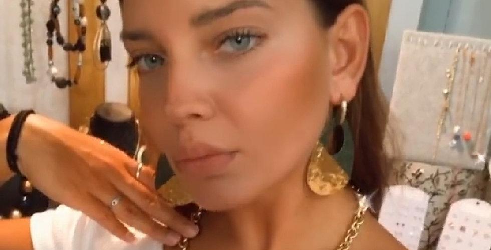 Σετ σκουλαρίκια με αλυσίδα χρυσή.