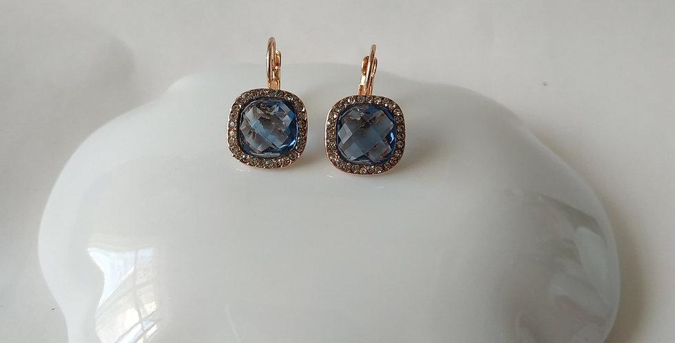 Σκουλαρίκια τετράγωνα με στρας σε ανοιχτό μπλε