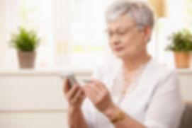 patient_smartphone_lady.jpg