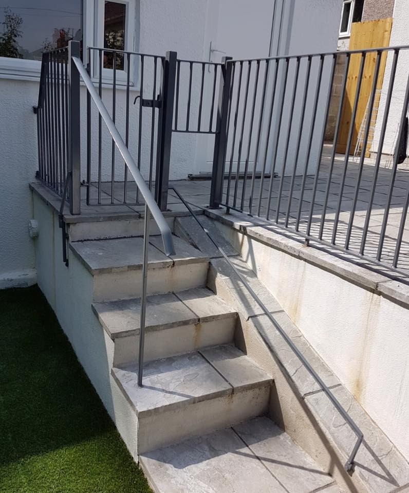 Railings for small dog
