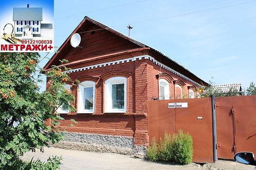 Кирпичный дом в центре Камышлова, ул. Пролетарская