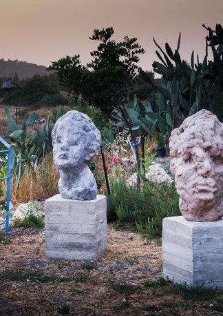 Heads, Outdoor