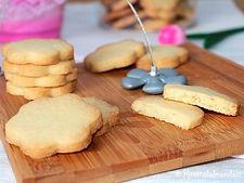 biscotti morbidi, in forma fantasia, al burro. ricetta